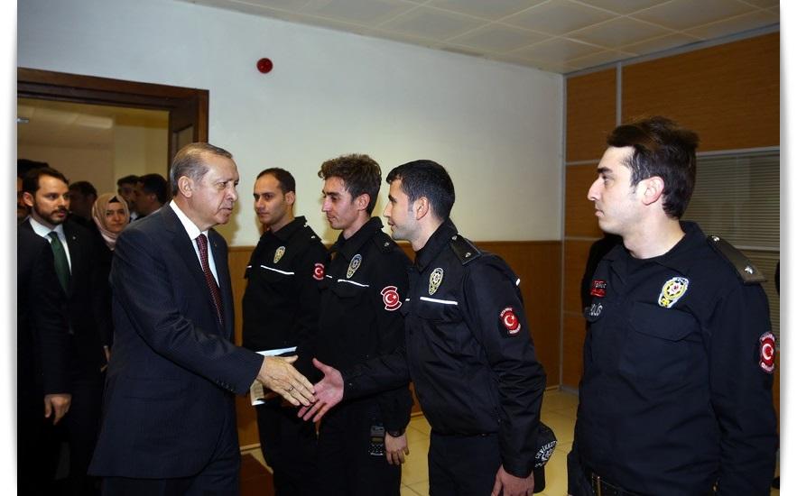 cumhurbaskani-erdogan-cevik-kuvvet-sube-mudurlugunu-ziyaret-ettikayserihaber-3